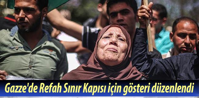 Gazze`de Refah S�n�r Kap�s� i�in g�steri d�zenlendi
