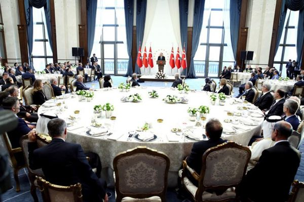 Cumhurba�kan� Erdo�an, Say��tay �yeleriyle bir araya geldi
