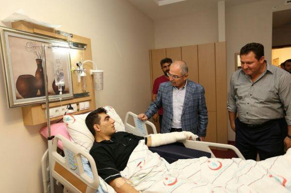 Mardin Valisi Yamandan yaral�ya ziyaret