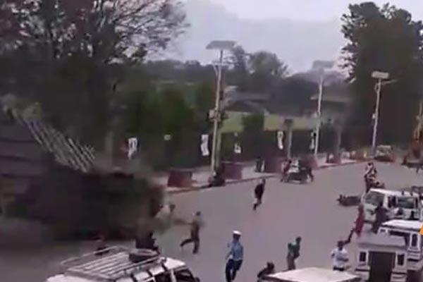 Nepal`deki Büyük Deprem Kameralara Böyle Yansıdı