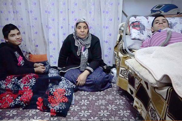 Cefakâr anne hasta iki çocuğu için yardım bekliyor