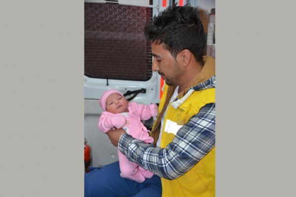 Yeni doğan bebek sokağa terk edildi