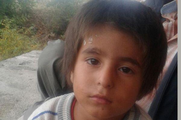 Kemik erimesi hastası çocuk yardım bekliyor