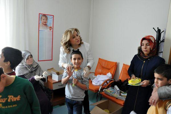 Öğrencilere koruyucu ağız ve diş sağlığı eğitimi verildi
