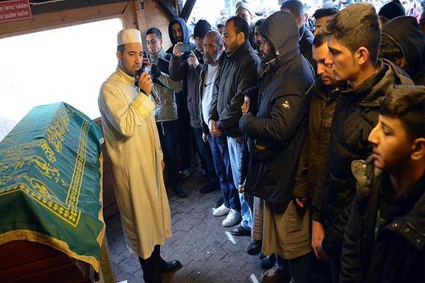 Almanya'da katledilen Suriyeli toprağa verildi