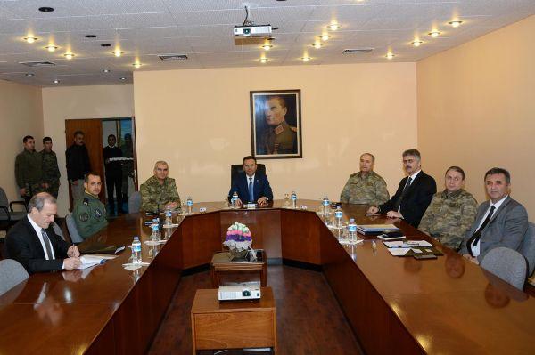 8. Ana Jet Üssü'nde Güvenlik Koordinasyon Toplantısı  yapıldı