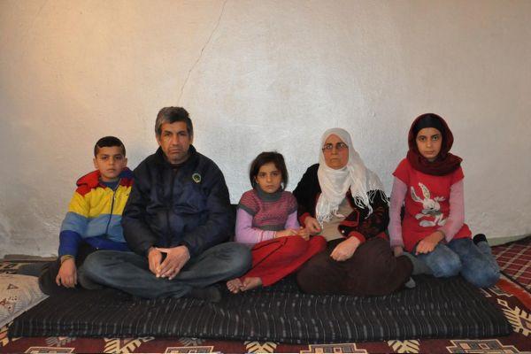 İki göz evde kalan Suriyeli aile yardım bekliyor