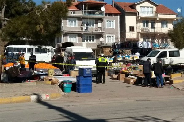 Pazar yerinde silahlı saldırı! 2 ölü