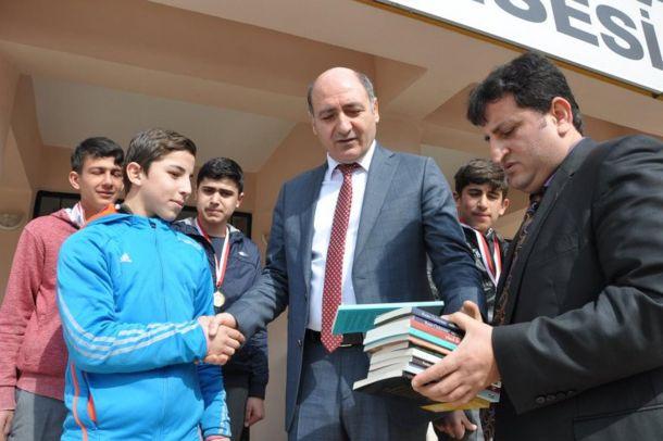 `Dost Kitaplar ve Dost Öğrenciler Projesi` ödülleri verildi