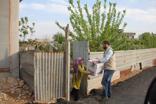 IHO EBRAR'dan muhtaç ailelere yardım