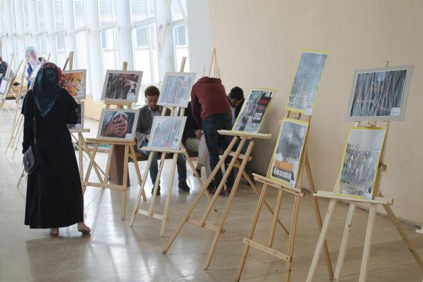 Öğrencilerden 'Mazlum Coğrafyalar' konulu fotoğraf sergisi