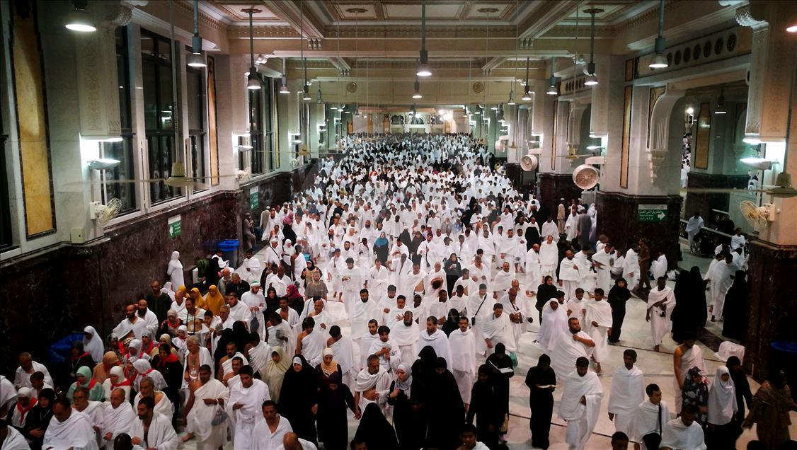 'Kardeşlerimiz dinlerini kaybetme tehlikesiyle karşı karşıyadır'
