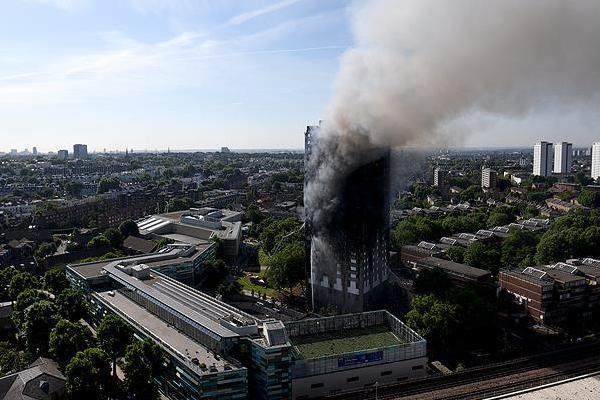 Londra'daki yangında ölenlerin sayısı her geçen gün yükseliyor