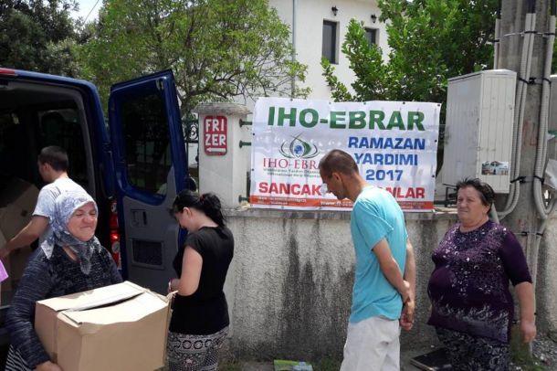 IHO-Ebrar'dan Balkanlar'da onlarca aileye Ramazan yardımı
