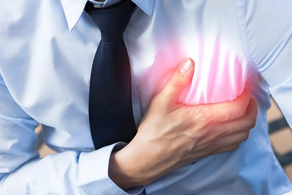 Sevdiğini kaybetmek kalp krizi riskini artırıyor