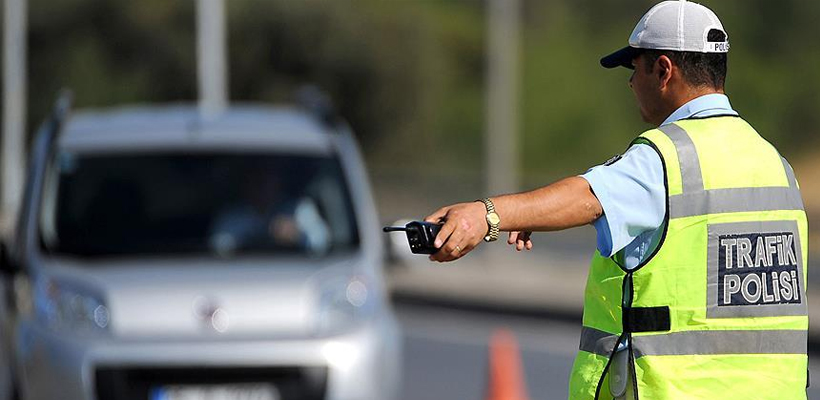 Sürücülerin dikkatine! 1.2 milyon ehliyete el konuldu