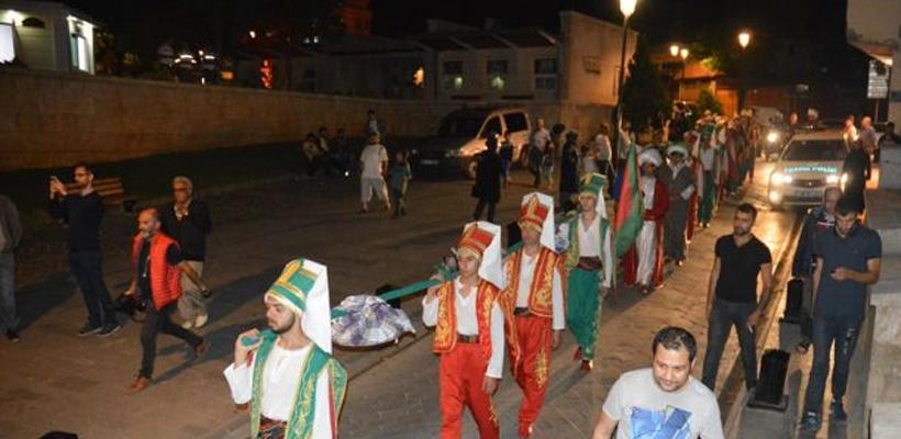 Gaziantep`te ilk kez Baklava Alayı düzenlendi