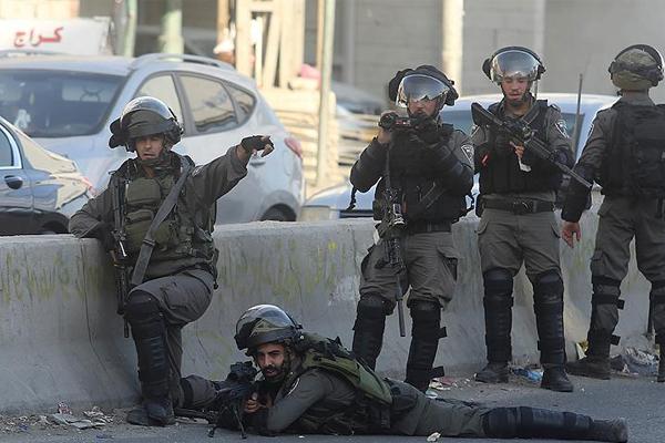 İşgal devleti askerleri bir Filistinli`yi şehid etti