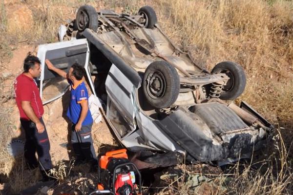 Adıyaman'da otomobil devrildi: 2 ölü