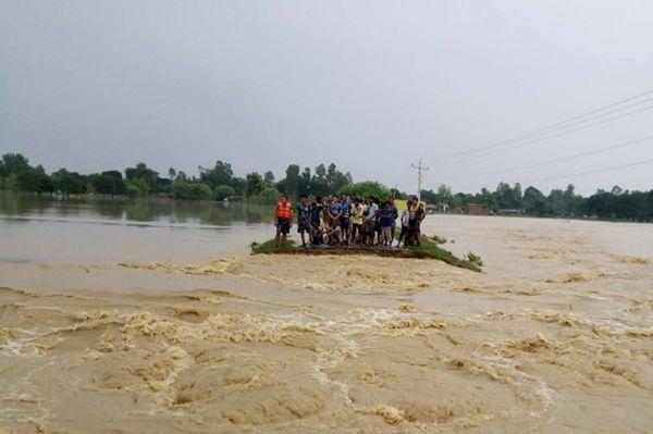 Nepal'de sel: 47 ölü