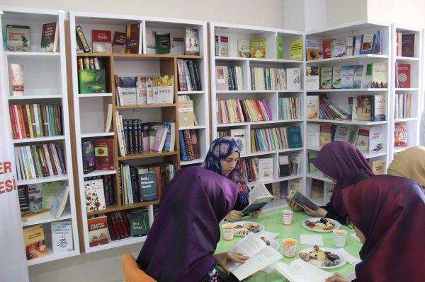 Diyarbakır'da açılan kitap kafe yoğun ilgi görüyor