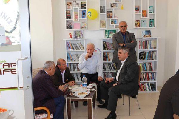 Mardin'de 'Kitap Kafe' açıldı