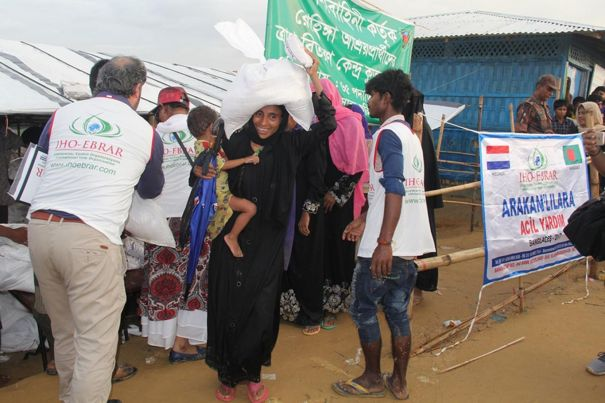 European Muslim philanthropists wrap wounds of Arakanese