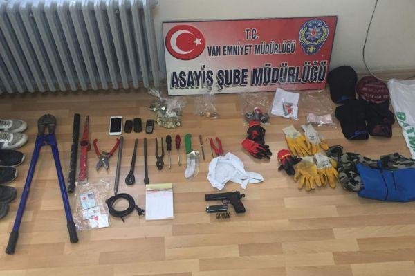 Van'da 7 kişi tutuklandı