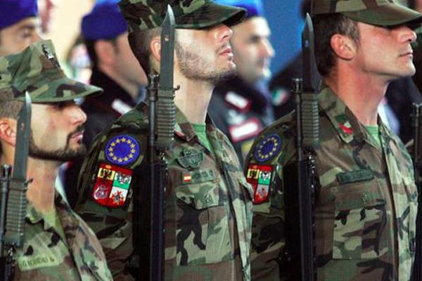 AB NATO'dan kurtulmak için 'Ordu'sunu kuruyor