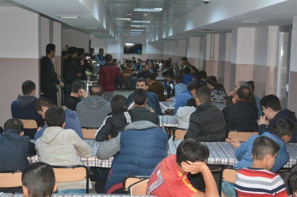 Proje okulu öğrencilerine uyum semineri
