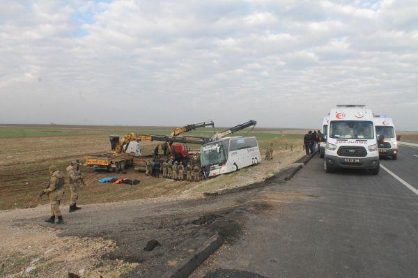 Yolcu otobüsü kaza yaptı! 9 ölü 28 yaralı