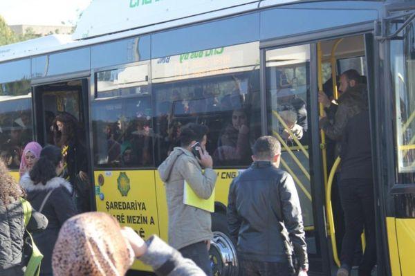 Diyarbakırlılar belediyeden 'Pembe Otobüs' talebinde bulundu