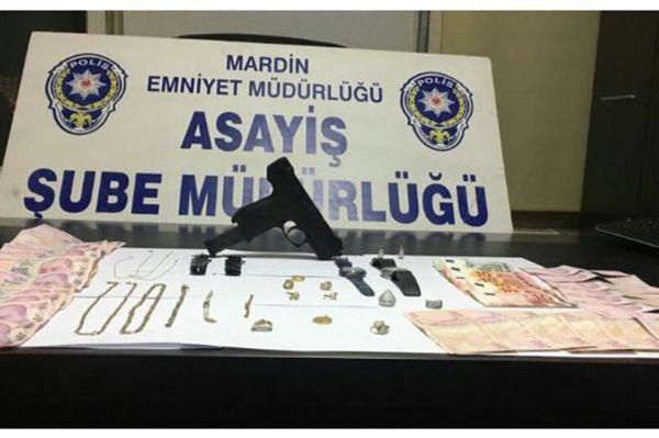 Hırsızlık iddiasıyla 2 kişi tutuklandı