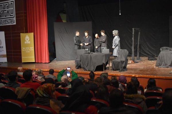 Mardin'de 'Beni Affet Anne' isimli tiyatro düzenlendi