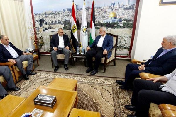 Hamas heyeti Mısır'da görüşmelere başladı