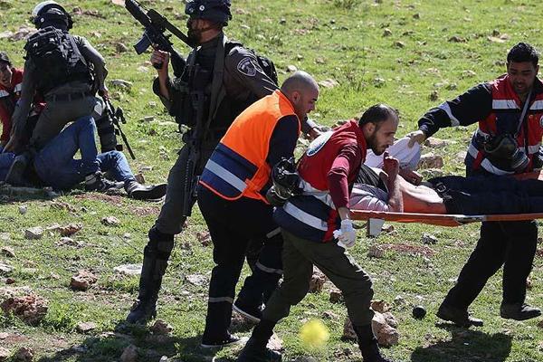 İşgal askerleri üniversite öğrencilerine müdahale etti: 8 yaralı