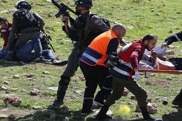 İşgalci israil askerleri ilk yardım ekiplerine saldırdı