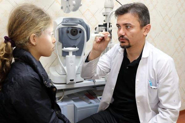 GAÜN'lü göz doktoru dünya birincisi oldu