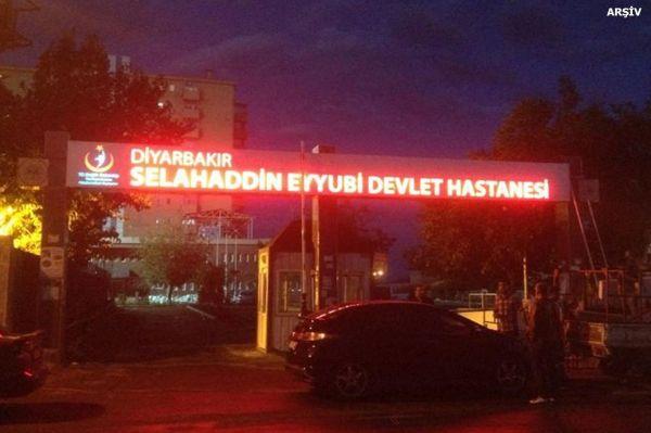 Diyarbakır'da ağır yaralanan bir asker daha hayatını kaybetti
