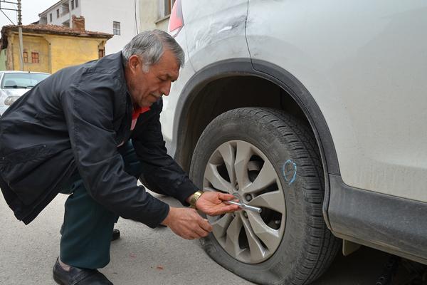 Çorum`da 19 aracın lastikleri kesildi
