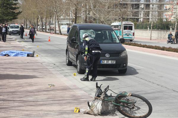 Aracın çarptığı bisikletli öldü