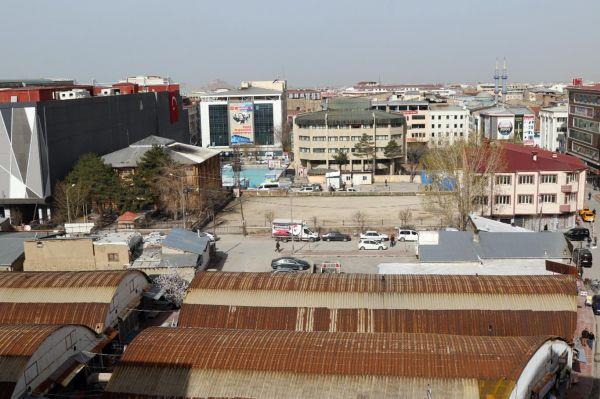 Kent Meydanı için taşıma ve yıkım işlemleri başladı