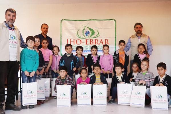 IHO-EBRAR Türkiye`deki yardımlarını sürdürüyor