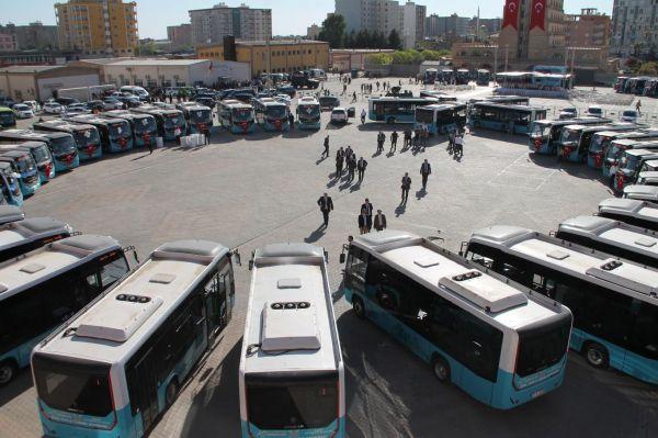 Kızıltepe`ye 48 yeni otobüs alındı