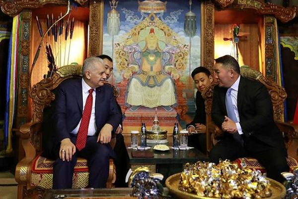 Yıldırım, Moğolistan Cumhurbaşkanı Battulga ile görüştü