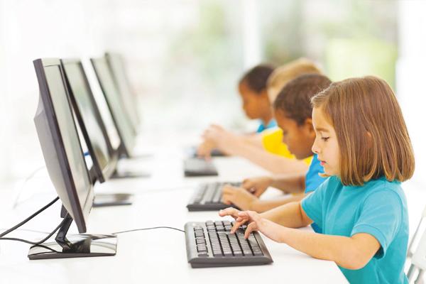 İnternete başlama yaşı 7 olmalı!