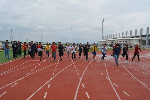 Gençlerin koşu yarışı heyecanı