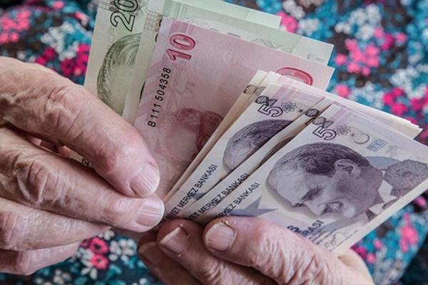 12 milyon emeklinin beklediği zam
