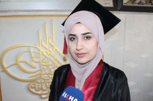 Suriyeli Zeynep'ten sitem: Kimsenin hakkını gasp ettiğim yok