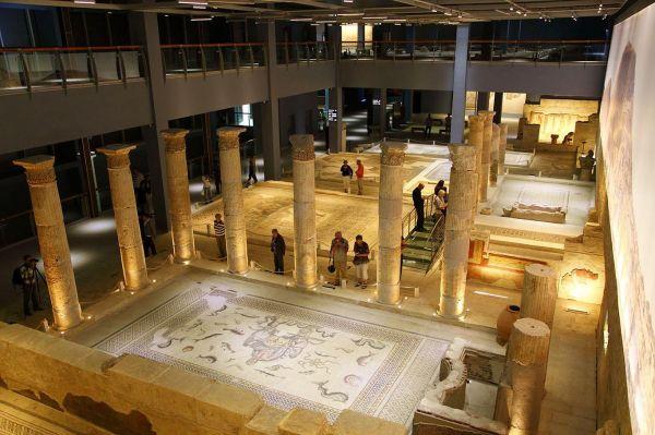 Zeugma müzesine ait mozaikler Türkiye'ye getiriliyor